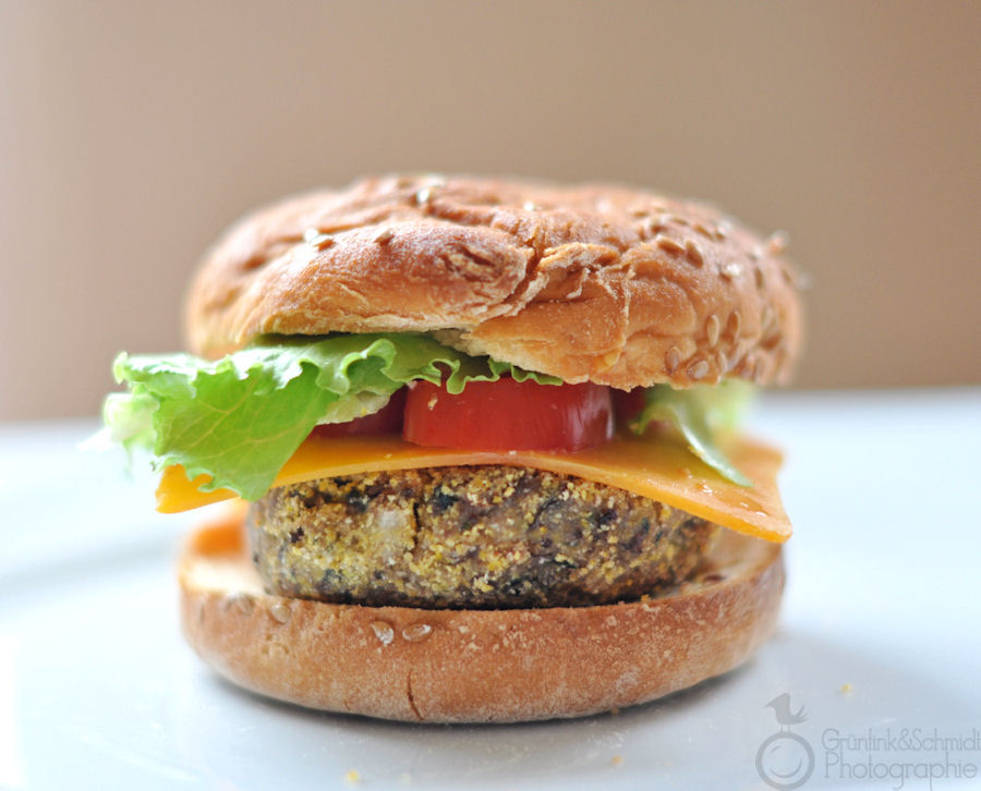 Kidney Bean and Quinoa Burgers