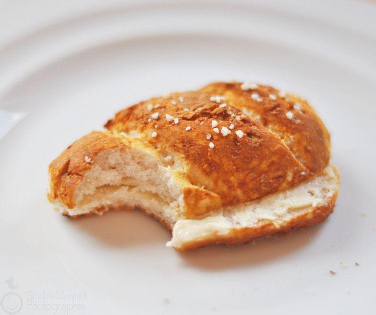 Gluten-free Lye Rolls