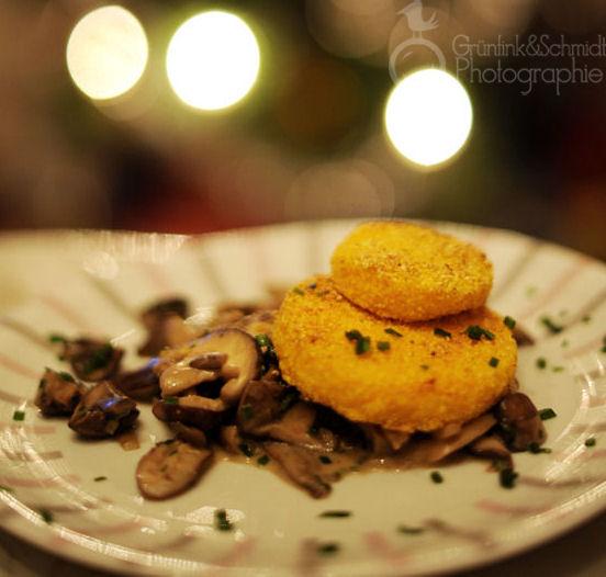 Mushroom Ragout with crispy gluten-free polenta medals