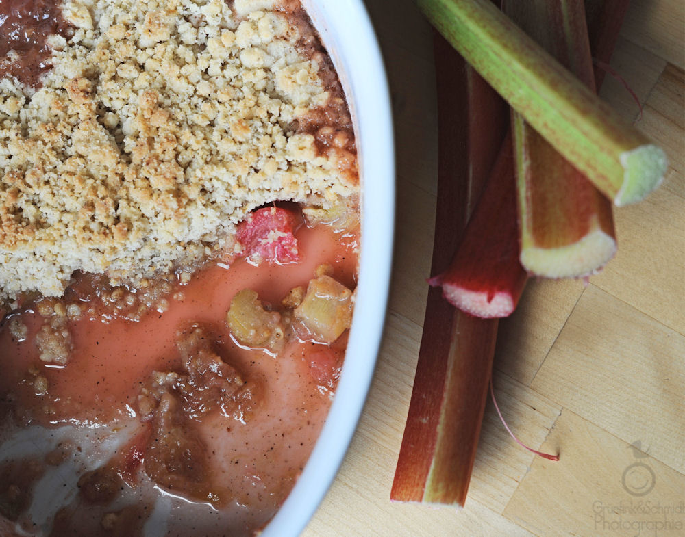 Rhubarb Crumble and Fruit Crumble Variations
