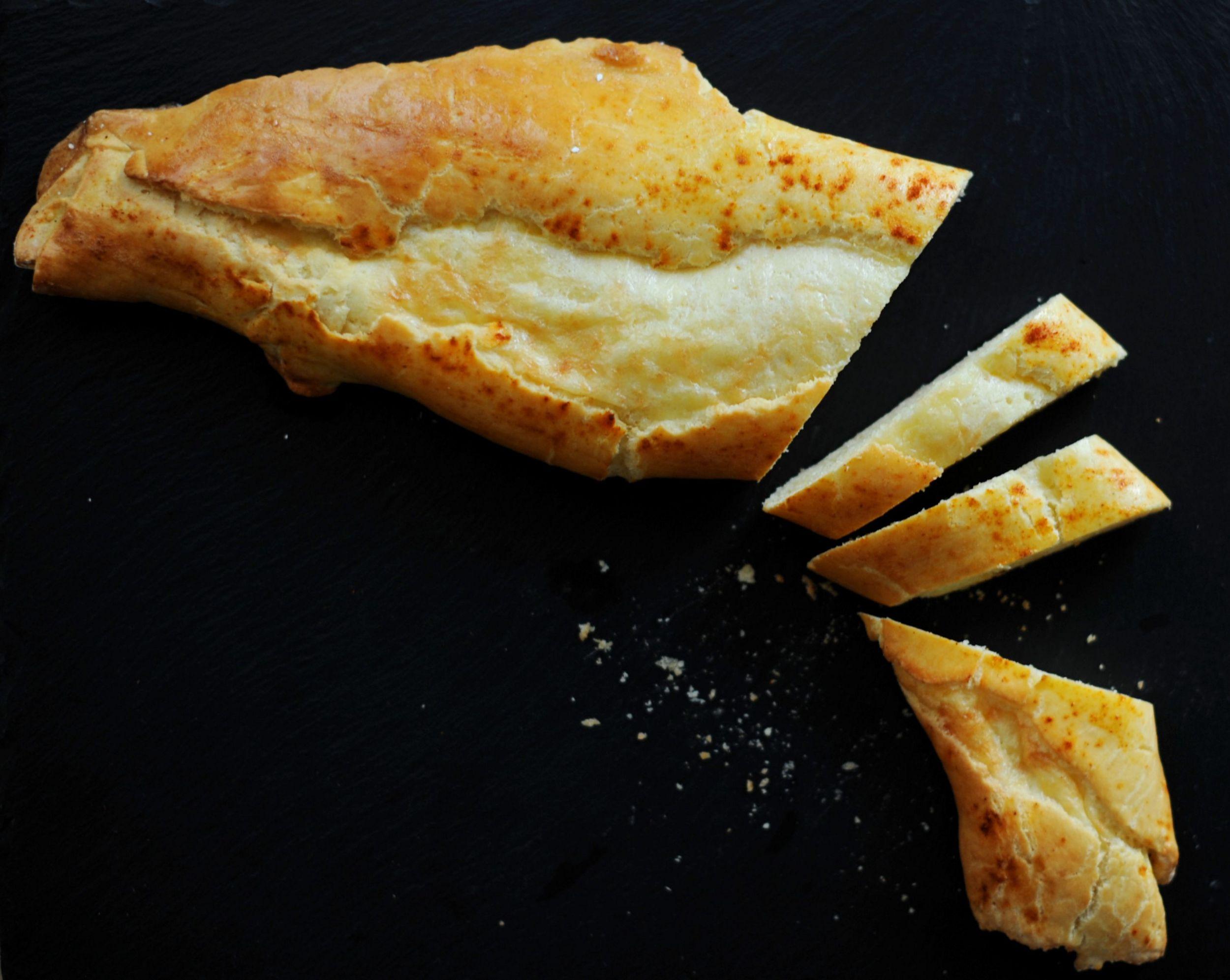 Gluten-free Bolivian Cheese Roll (Rollo de Queso sin gluten)
